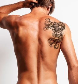 Remoção de Tatuagem de 256 a 440 cm² (1 sessão)